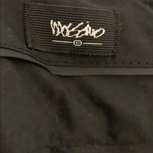 Mossimo Supply Co. Pants - Massimo Capri pants. Size 10